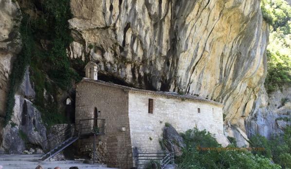 itinerario grotte di frasassi