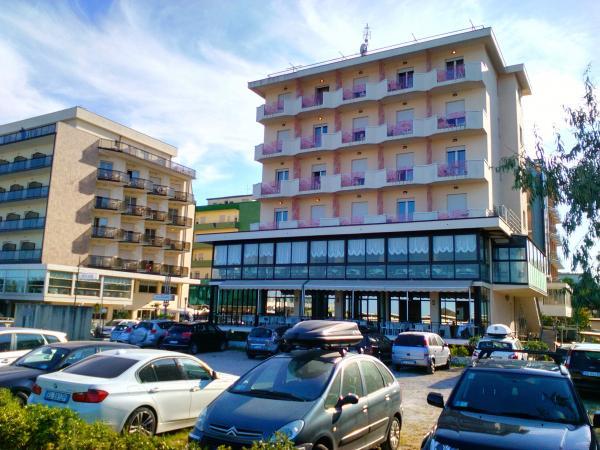 beach hotel apollo milano marittima